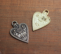 [BR] Large Ornate Heart