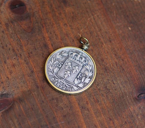 Crowned Fleur De Lis Coin Pendant