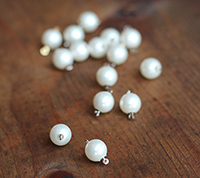 Vintage Pearl Clasp - White